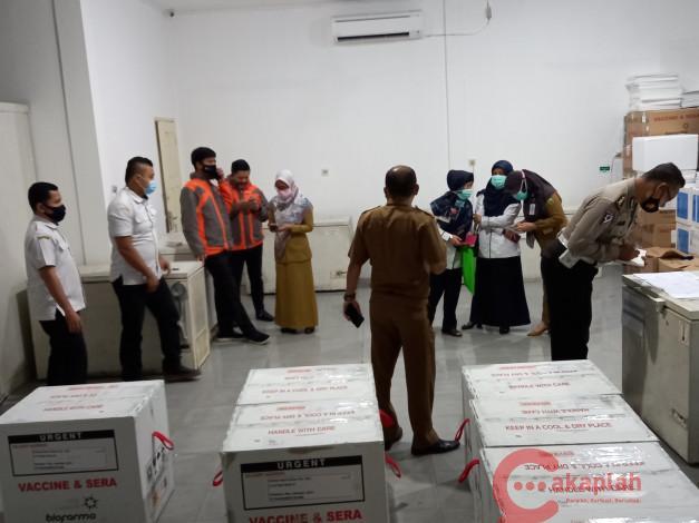 Tahap Pertama, Pemprov Riau Distribusikan Vaksin Covid-19 di 3 Kabupaten/Kota